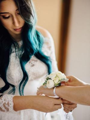 wedding-flowers-to-wear-300x400-5
