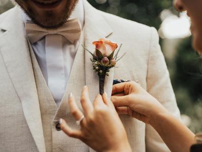 wedding-flowers-to-wear-400x300-3
