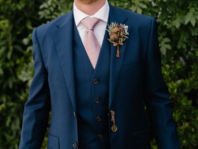 wedding-flowers-to-wear-400x300-4