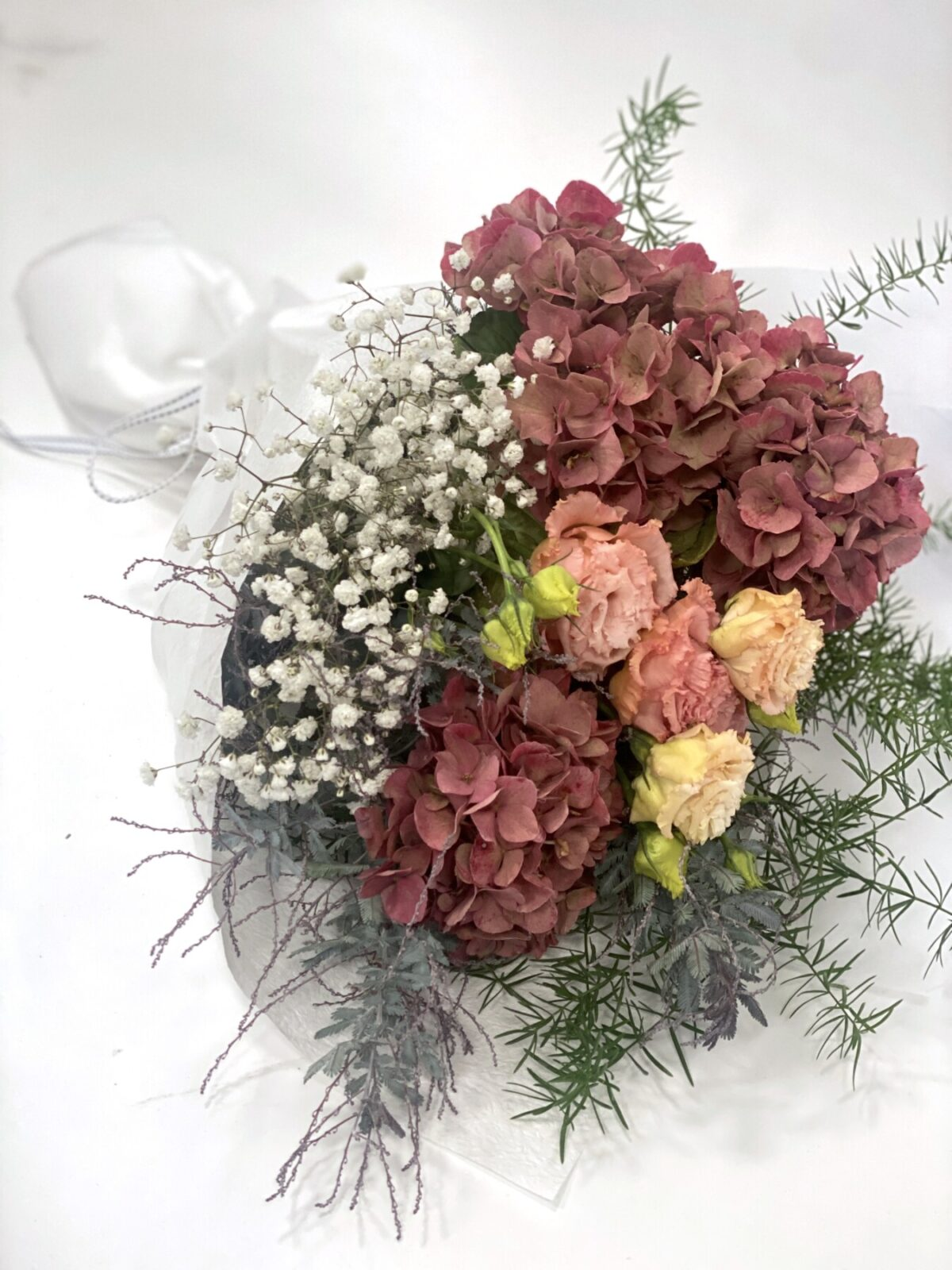 Seasonal Bunch, Neutral Fresh Flowers | Thrive Flowers & Events: Flower Delivery Melbourne
